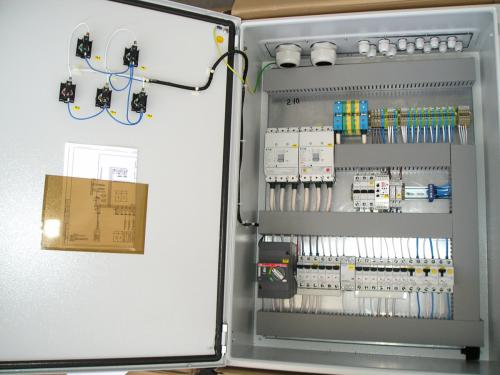 Floor distribution boards